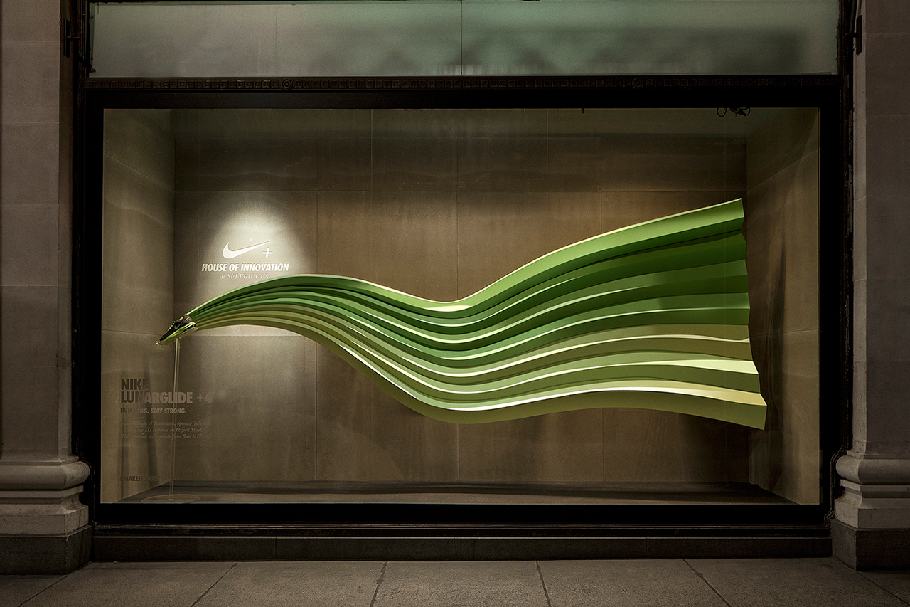 nikes-interactive-display-windows-by-staat-0